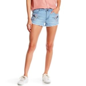 NWT Romeo & Juliet Couture Jean Bird Shorts Frayed